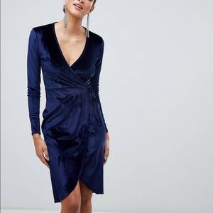 NWT Vince Camuto navy blue velvet wrap dress